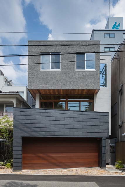 <2世帯住宅>重ね箱の家