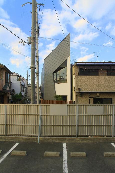 連棟長屋・変形土地の建替え ■大連の家 スキップフロアー